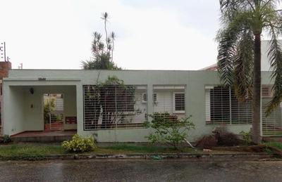 Vendo Excelente Casa Urb Valles De Camoruco Valencia