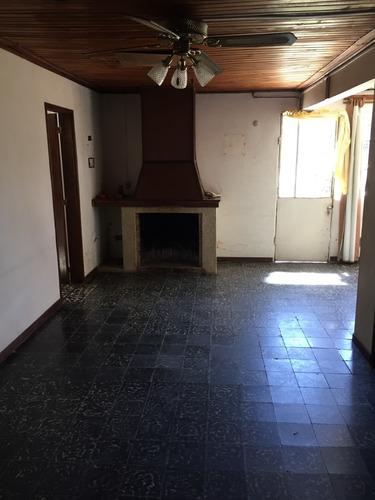 Vendo Casa De Dos Dormitorios En Paysandú B/ubicación!