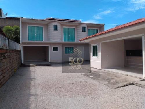 Casa Em Forquilhinha De 03 Dormitórios Sendo 01 Suíte E Quintal Amplo - Ca0663