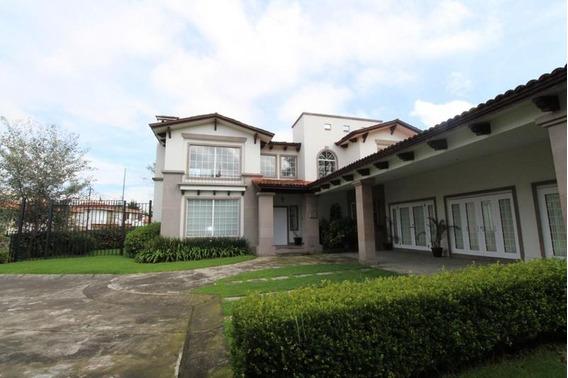 Los Robles, Lerma Casa En Renta Y Venta
