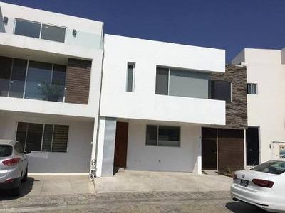 Casa En Remate En Lomas De Angelópolis
