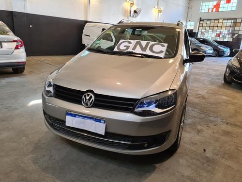 Volkswagen Suran 1.6 Trendline 2013
