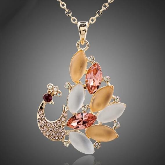 Hermoso Dije Pavoreal Cristales Austriacos Lamina Oro Mujer!