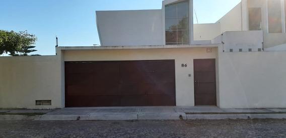 Venta De Casa En Residencial Victoria En Colima