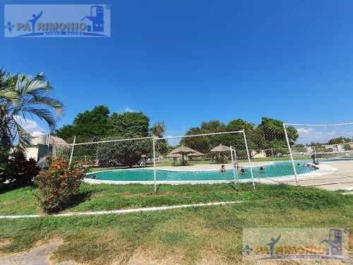 Casa Con Alberca En Acapulco *remodelada* En Esquina Con Jardin