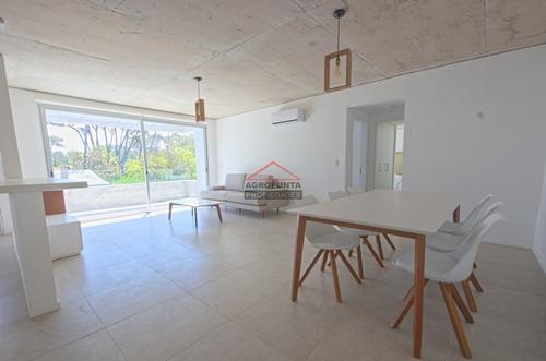 Apartamento En Punta Del Este- Ref: 5398