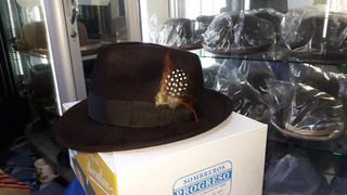 Sombrero De Hombre Color Marrón Oscuro.