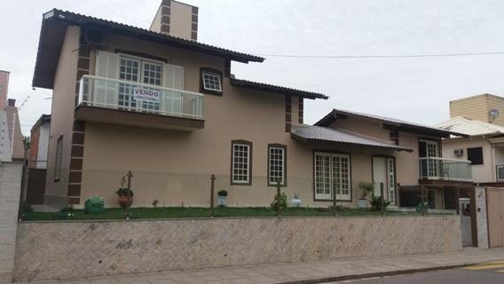 Casa Em Coqueiros, Florianópolis/sc De 274m² 4 Quartos Para Locação R$ 8.800,00/mes - Ca323377