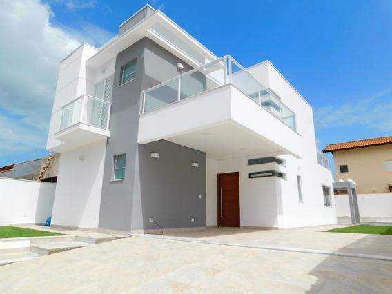 Casa Com Piscina À Venda Na Praia De Peruíbe.