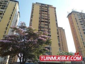 Apartamento En Venta En Urbanizacion El Centro 19-14326 Jev
