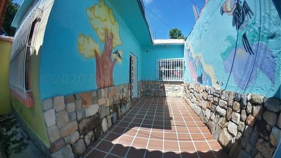 Casa En Venta En Tarapio Naguanagua 20-24808