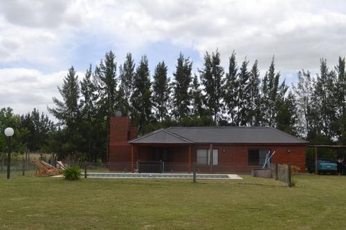 Imagen 1 de 14 de Casa Quinta/quincho En Chascomus