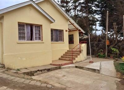 Arriendo Casa Sólida: 4 Dormitorio, 8 Camas Para 10 Personas