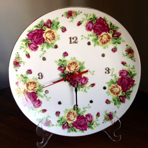 Imagem 1 de 3 de Relogio Porcelana - Rosas