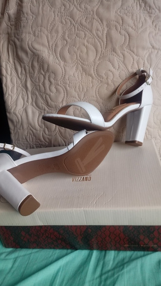 Zapatos De Noche Color Crema Marca Vizzano Talle 37