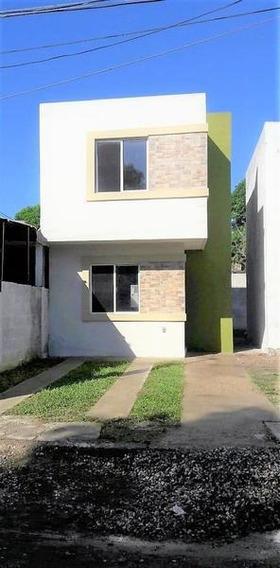 Casa Nueva En Venta. Col. Habitacional En Altamira, Tam.