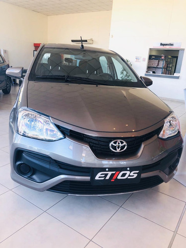 Toyota Plan De Ahorro 70/30  Etios X 5p Abril 50% Off 2021