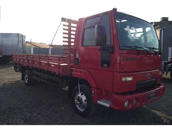 Caminhão Ford Cargo 815