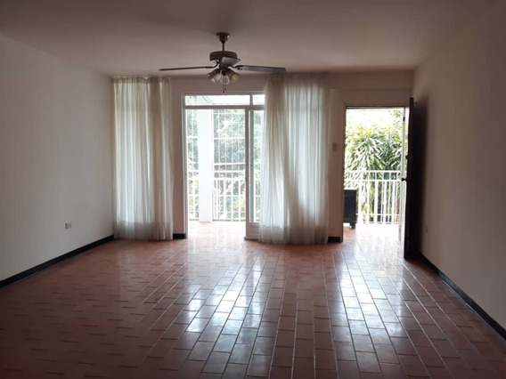 Anexo, Alquiler, Prados Del Este, 4 Habitaciones, 3 P.e.