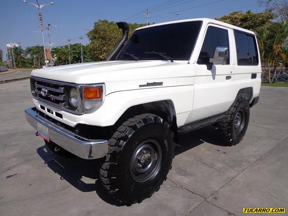 Toyota Macho Sincrónico