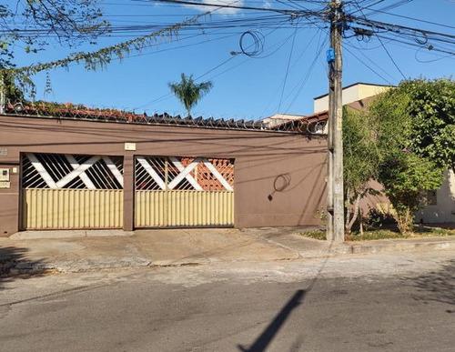 Casa Térrea Com 3 Quartos - 185-v
