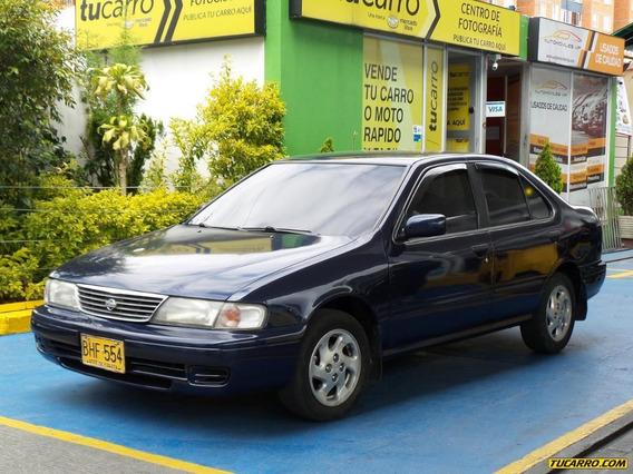 Nissan Sentra Std 1.6cc Mt