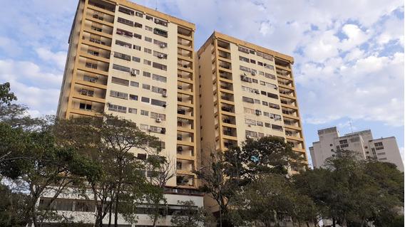 Jorge Sayegh Vende Apartamento Torre Porteña