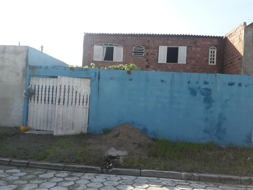Casa Com 2 Dormitórios No Bairro Guanabara Em Mongaguá - 0105