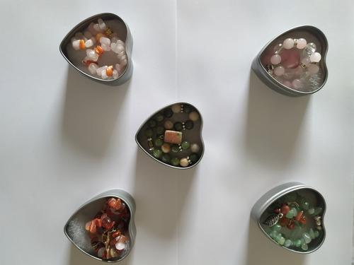 Pulsera Piedra Natural Jade Cuarzo En Caja Metálica