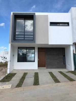 Venta De Casa En Coto La Cantera, Capital Norte, Zapopan