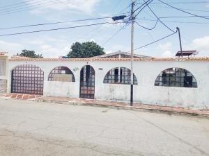 Casa En Venta Ciudad Alianza Guacara Carabobo 19-13871 Yala
