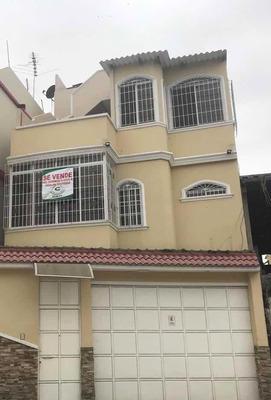 Se Vende Casa 3 Plantas Terraza Para Eventos De Oportunidad