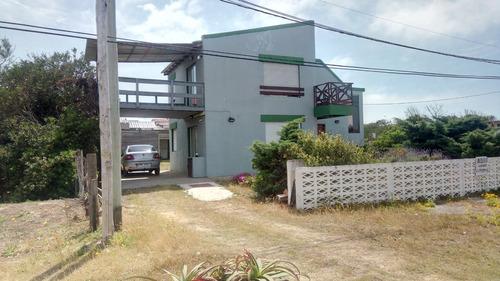 Imagen 1 de 8 de Casa En Alquiler Temporal - Punta Del Diablo  A 50m Del Mar