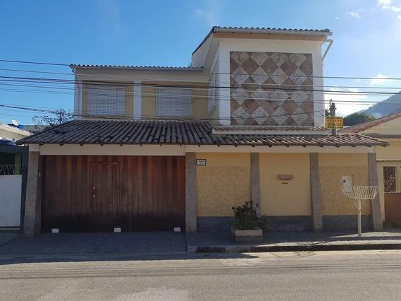 Casa De 2 Andares Com 5 Quartos, 3 Ban, Piscina E Churras...