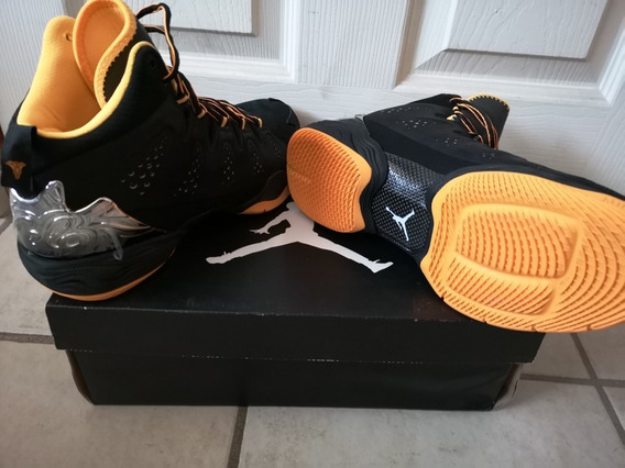 Tenis Colección Basketball Jordan Melo M10 Talla 26.5 Nuevos