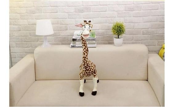 Boneco De Pelúcia Madagascar Girafa Melman 35cm