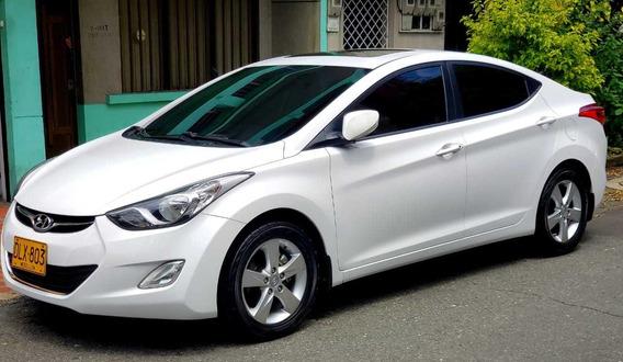 Hyundai Elantra Gls Con Poco Kilometraje Excelente Estado