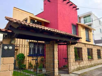 Bonita Casa Rustica Sobre Calle En Metepec
