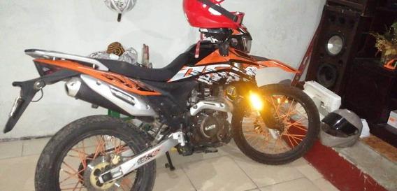 Moto Um Dsr 250