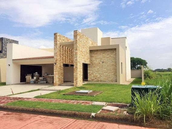 Casa En Venta Fracc. Lagunas De Miralta