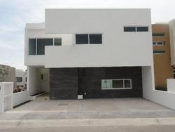 Hermosa Residencia En Zen House I - La Propiedad Cuenta Con: