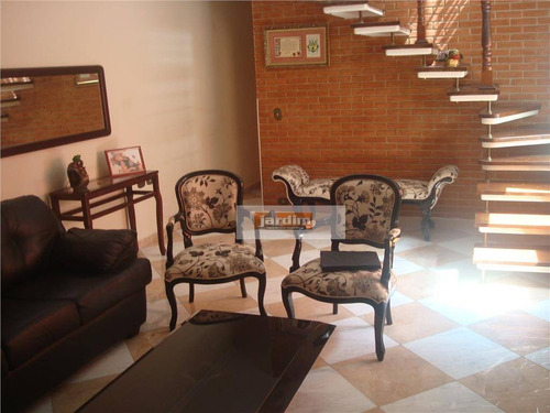 Imagem 1 de 4 de Sobrado Residencial À Venda, Vila Gilda, Santo André. - So1065