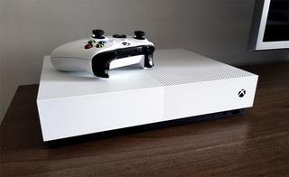 Xbox One S + Joystick Inalámbrico + Juego
