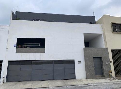 Amplia Casa En Venta Cumbres 5o B Monterrey