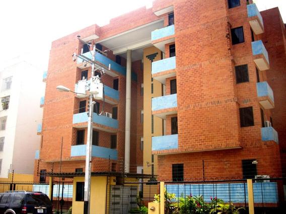 Apartamento En Venta Urb. San Jacinto Maracay Mj 20-21897