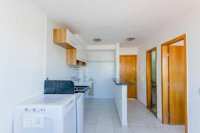 Apartamento No 6º Andar Com 1 Dormitório E 1 Garagem - Id: 892908612 - 208612