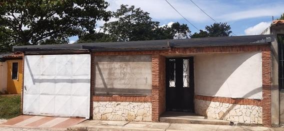 Venta Casa Ciudad Varyna Ii Etapa Sector El Roble