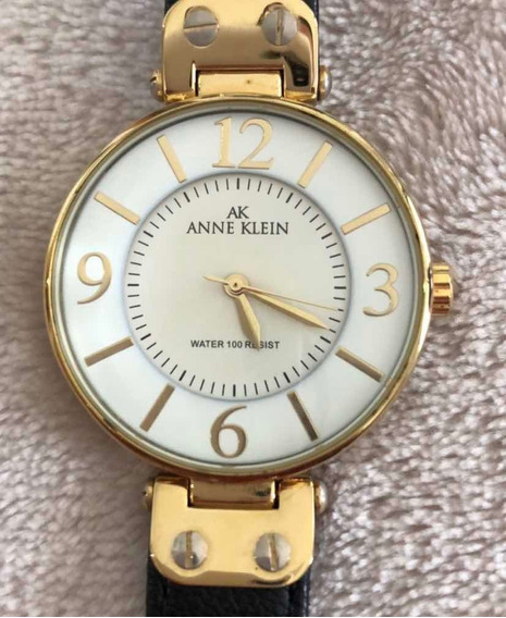Relógio Anne Klein Clássico. Pulseira Preta
