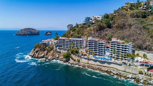 Imagen 1 de 30 de La Mejor Vista En La Playa Mas Hermosa