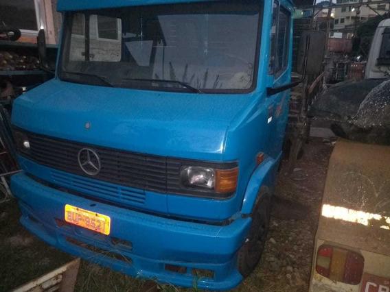 Mercedes Bens 710 Plus